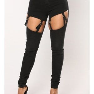 NWT FASHION NOVA Black Belted Peekaboo Jeans 15